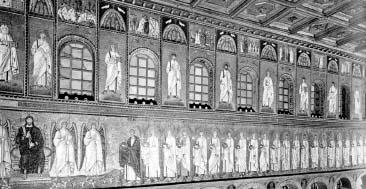 Внутреннее убранство и мозаика центрального нефа церкви Сант Аполлинаре Нуово. Равенна. Италия. VI в.